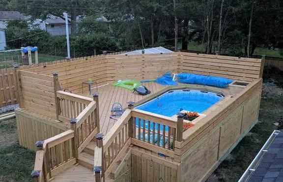 Toledo Pool Deck